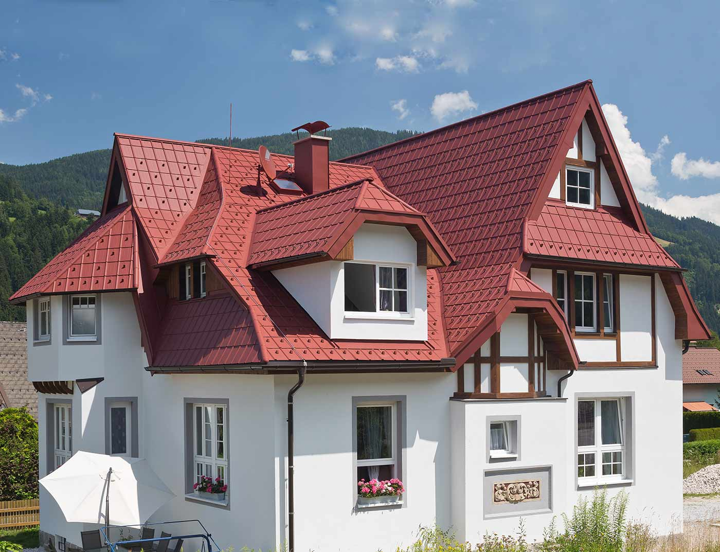 Reference buildings PREFA Roof systems Roof tile 05 P.10 oxide red
