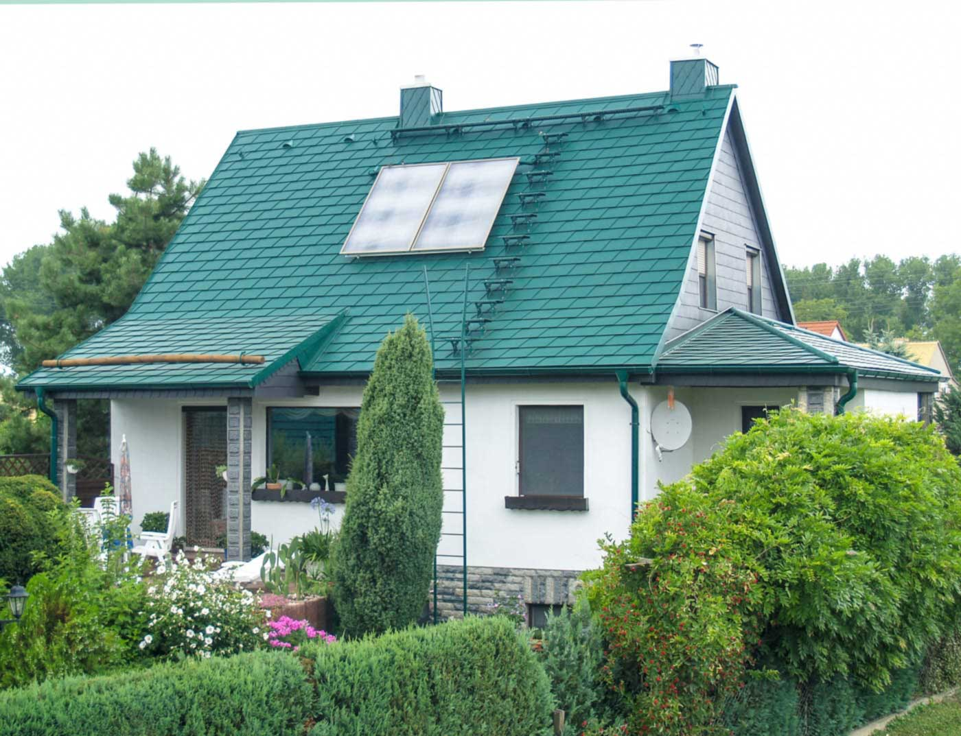 Reference buildings PREFA Roof systems Shingle 06 P.10 moss green