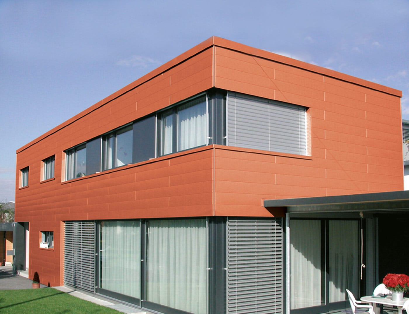 Reference buildings PREFA Façade systems Siding 04 P.10 brick red