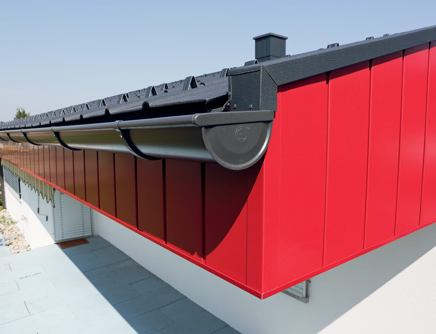 Reference buildings PREFA Façade systems Siding 21 ruby red