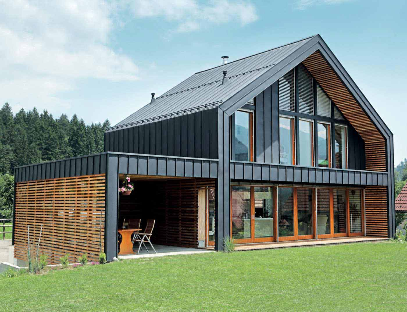 Reference buildings PREFA Roof systems Roof system Prefalz® 02 P.10 anthracite